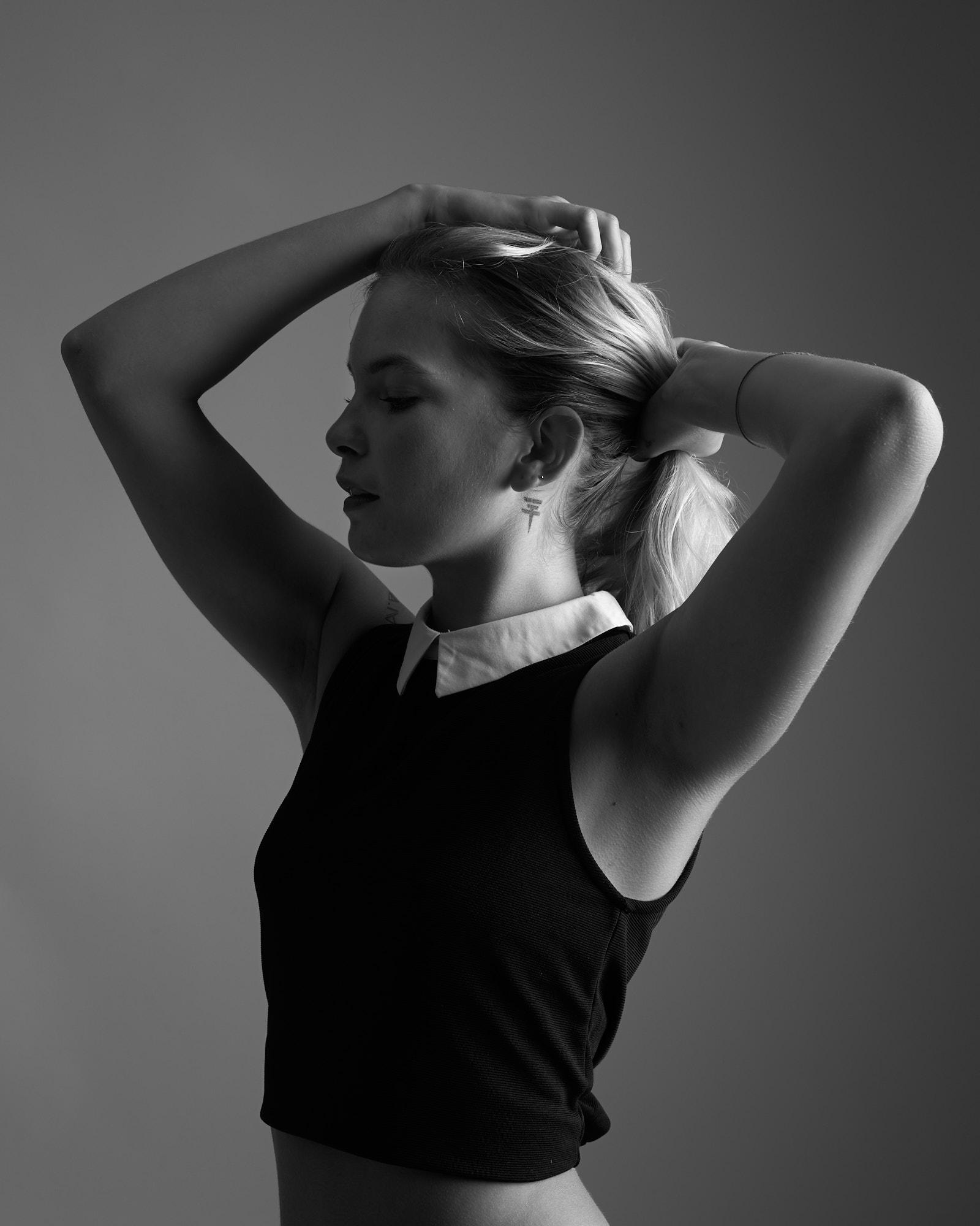 Portrait profil, noir et blanc, buste, femme