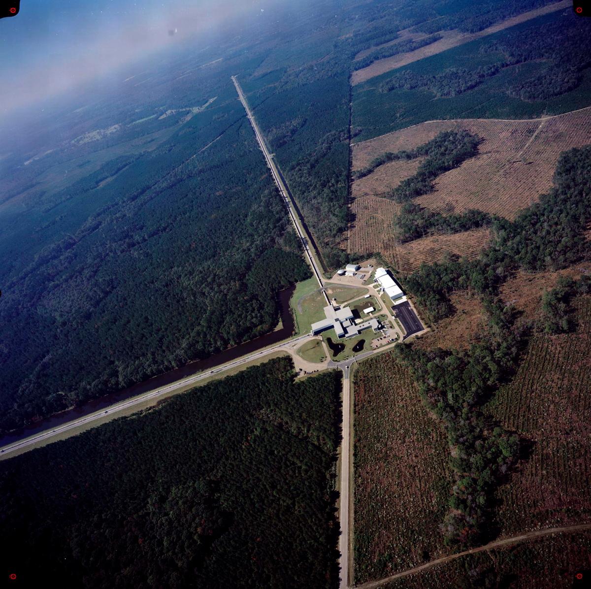 Caça ondas gravitacionais: O projeto Interferômetro Laser LIGO em Fotos
