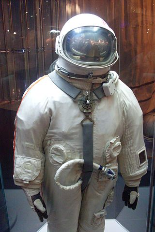 Russian space suit, Moscow Museum of Astronautics  Photo: Armael / Wikimedia