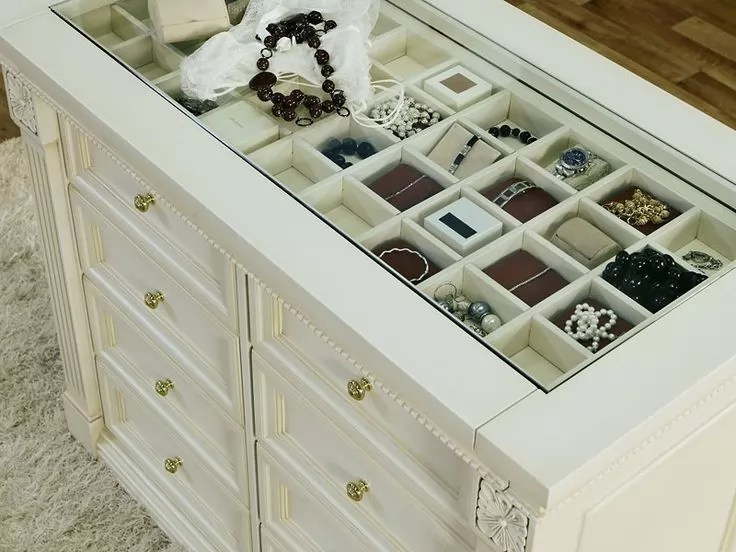 It doesn't take much for closets to turn into cluttered chaos. Tips for Your Walk in Closet Island By Space Age Closets