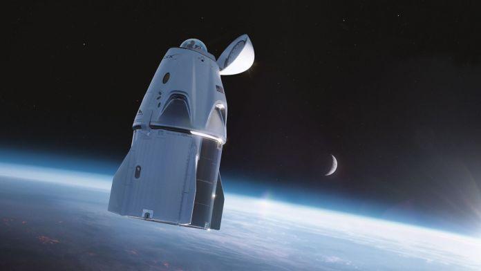 स्पेसएक्स इंस्पिरेशन4 के लिए डॉकिंग पोर्ट की जगह लेने के लिए एक विशेष विंडो विकसित कर रहा है।  क्रेडिट: स्पेसएक्स