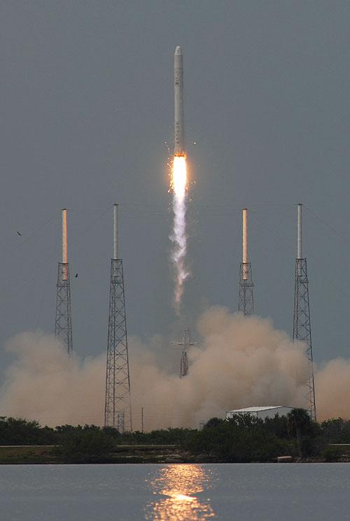 Ben Cooper's (spaceflightnow.com) Photo of Falcon9 Launch - 04 Jun 2010