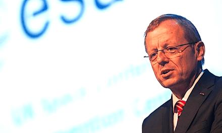 ESA director-general's job at risk as 2 member nations question his soloist tendency & ESA-EU relations