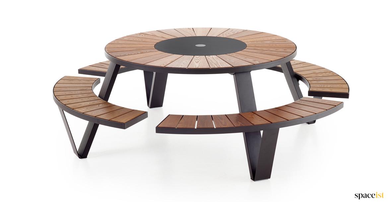 Pantagruel Black Outdoor Table Spaceist