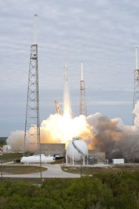 Falcon 9 lifts off on teh second commercial resupply mission to ISS (Credits: NASA/Tony Gray and Robert Murray).