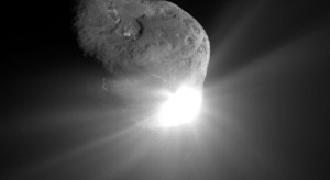 This spectacular image of comet Tempel 1 was taken 67 seconds after it obliterated Deep Impact's impactor spacecraft (Credits: NASA/JPL-Caltech/UMD).