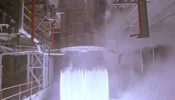 Picture of RD-180 test firing at Marshall Space Flight Center, 1998 (Credits: NASA).