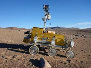 Bridget the rover, roaming the Atacama Desert (Credit: ESA/M. van Winnendael).