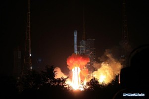 Chang'e 3′s launch on top a Long March 3B on December 1, 2013 (Credits: news.cn).