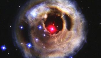Star V838 Monocerotis (V838 Mon)- September 2, 2002. - Credits: NASA.