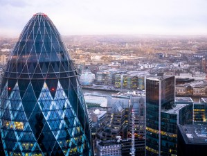 7_sunset-city-view-of-London,-England-from-Duck&Waffle-on-top-of-the-Heron-Tower
