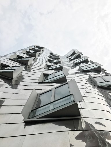 Dusseldorf architecture city guide. best architecture to see in Germany_medienhafen designed by the architect Frank Gehry (6)