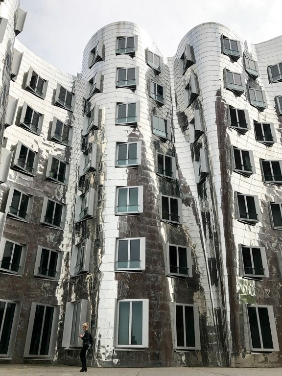 Dusseldorf architecture city guide. best architecture to see in Germany_medienhafen designed by the architect Frank Gehry (8)