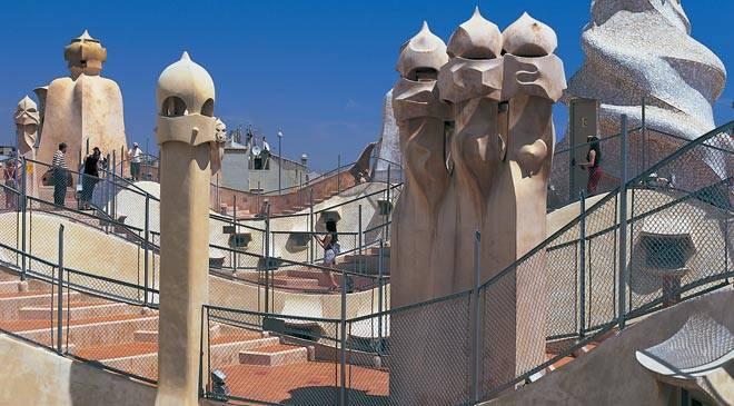 Casa Mil  La Pedrera  monuments  Barcelone sur Spain is Culture