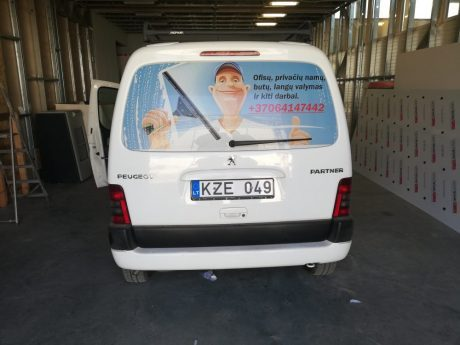 Perforuotas lipdukas automobiliui - Spalvota Reklama