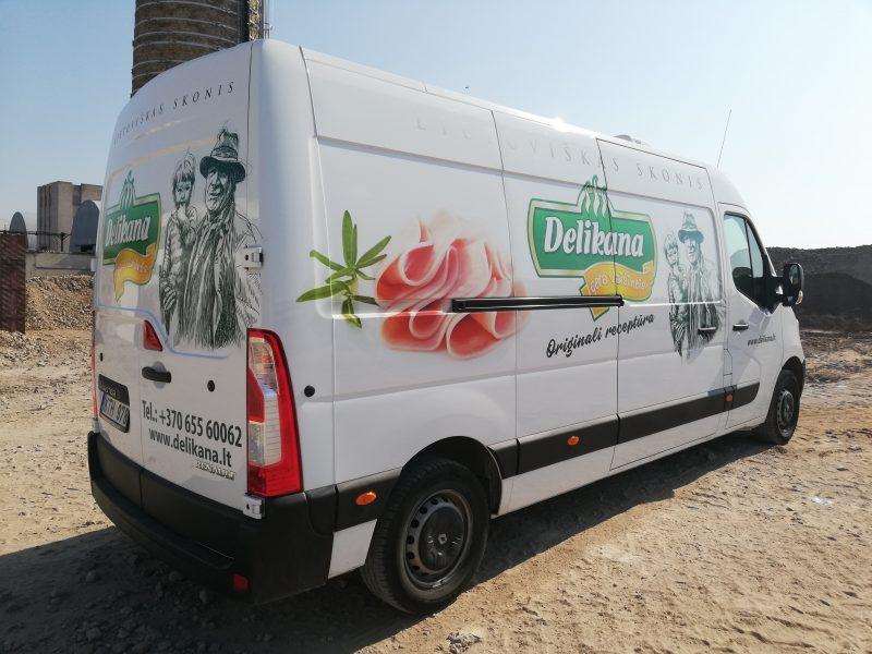 Reklama ant automobilio_Delikana_Spalvota Reklama