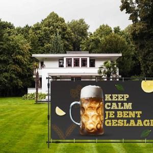 Geslaagd spandoek keep calm je bent geslaagd bier