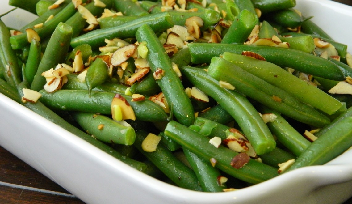 Buttered Green Beans with Almond Slivers