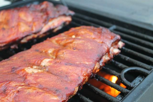 Homemade barbecue sauce on smoked ribs 7