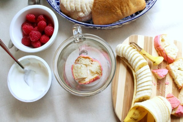 Fruit and yogurt snack cups with pan dulce 5.2