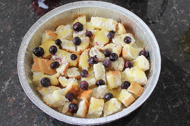 Get two easy dessert recipes in this one post. The easiest lemon curd recipe I've found, plus a Blueberry Bread Pudding.