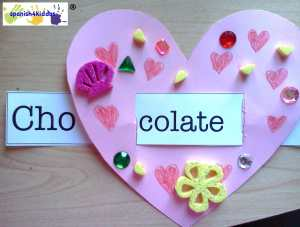 Embellished heart with word strip in Spanish
