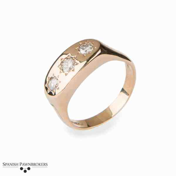 Pre-owned 3 stone Gypsy Diamond gents ring made of 9-carat yellow gold 0.65 carats