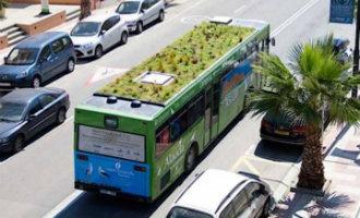 Gemeente Madrid Wil Stadsbussen Met Tuinen Op De Daken