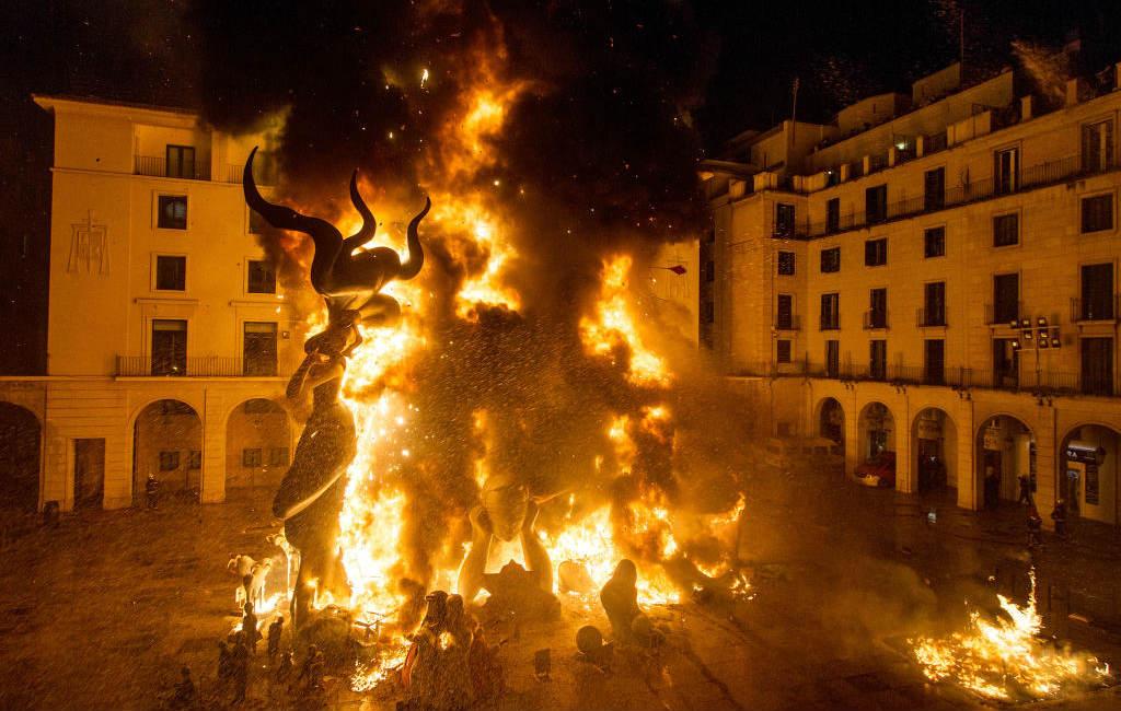 Hogueras feesten in Alicante