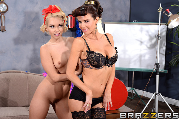 Glamour girls Aaliyah Love and Veronica Avluv posing together