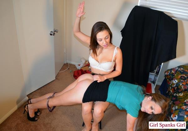Jenna Sativa practices spanking with Star Nine's help