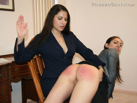 Chelsea Pfeiffer spanks Erica Corvina