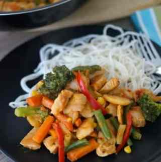 Everyday Meals – Stir-fry with Easy Peanut Sauce!