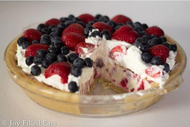 berries ice cream pie