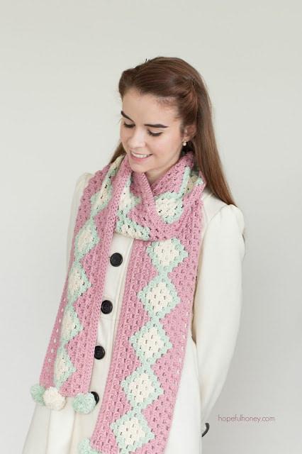 cotton-candy-pompom-scarf-crochet-pattern-2