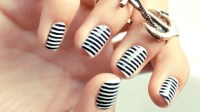 10 Incredible Black and White Nail Designs