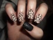 leopard print nail art pattern