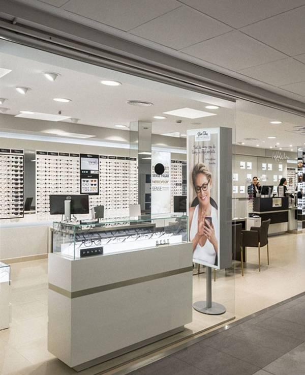 Creative Optical Design Display Showcase - Spark Retail