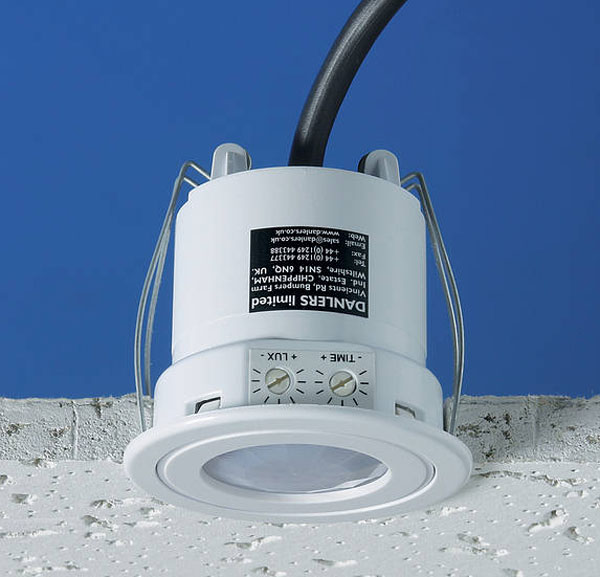 Switch Danlers Pir Occupancy Presence Switch The Sparks Direct Blog