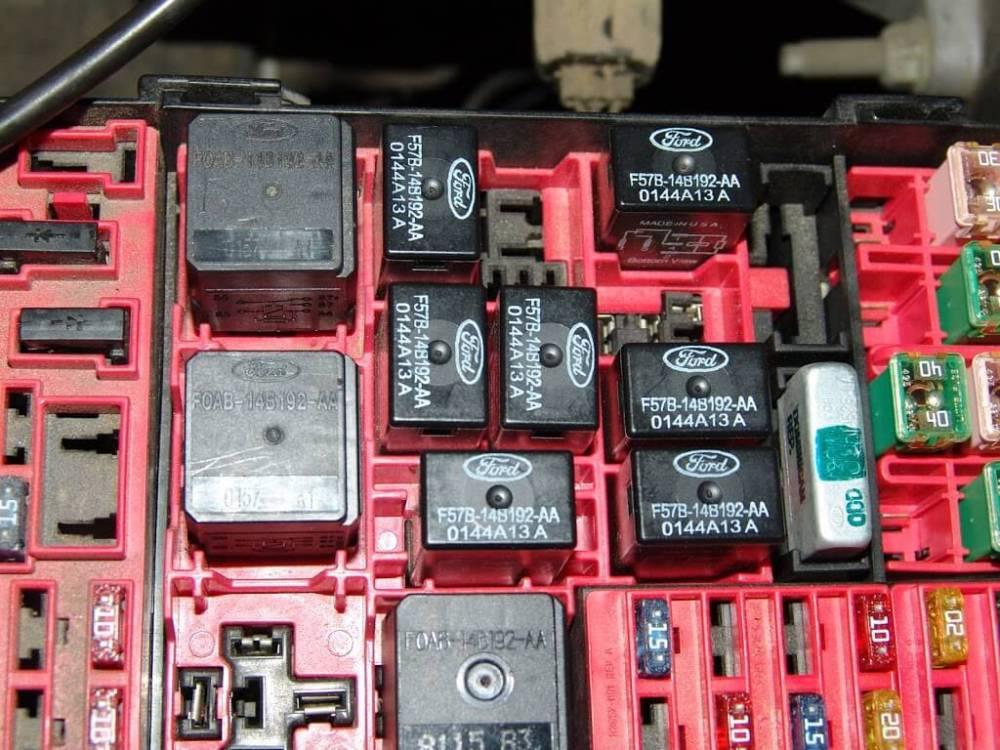 medium resolution of 1998 ford expedition starter location 2003 mercury 2000 mercury fuse box