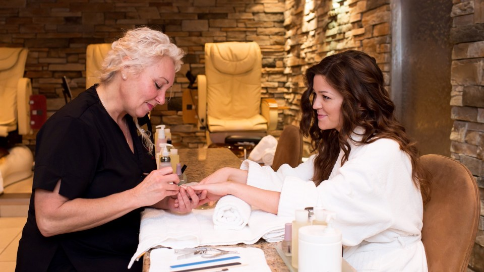 Manicure, 100 Fountain Spa, Pillar and Post, Spas of America