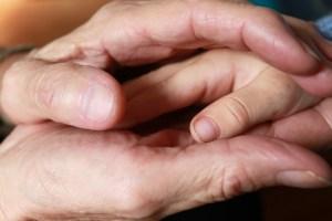 hand-619735_1280