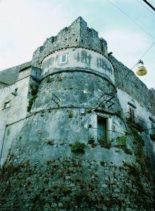 vico_del_gargano__torre_nel_centro_storico