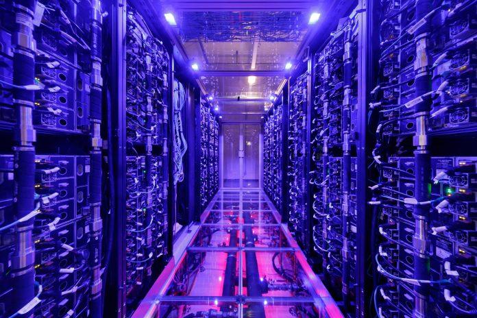 Supercomputer VSC-4