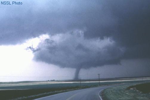 https://i0.wp.com/www.spc.noaa.gov/faq/tornado/alfalfa.jpg?w=700