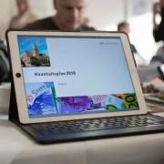 Ein iPad zeigt ein Vorschaubild des Haushalts der Stadt Hattingen
