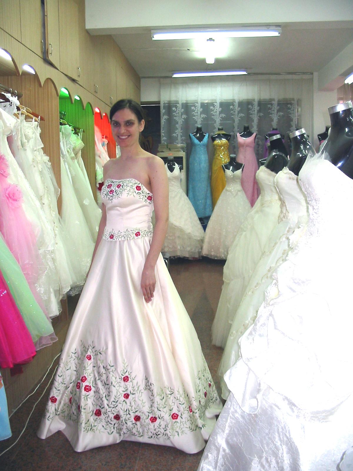 Suzhous Wedding Gown Street  Speaking of China
