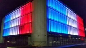 Quartiere generale Guzzini illuminato in onore della Francia