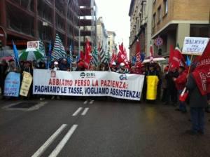 Sanità: corteo dei sindacati, pensionati ad Ancona contro la riforma ragionale (ANSA.it)