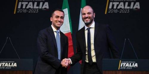 5-Star Movement candidate premier Luigi Di Maio (L) presents Andrea Roventini who would be Economy Minister in his cabinet in case of victory in the March 4 general elections, in Rome, Italy, 01 March 2018. ANSA/ALESSANDRO DI MEO